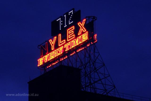 Nylex Clock Melbourne Neon Adonline Id Au