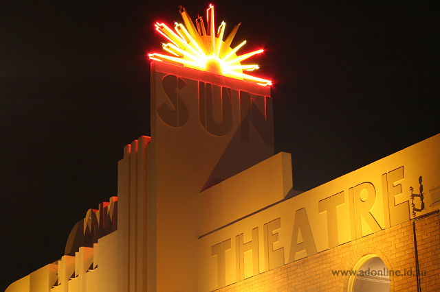 Sun Theatre Melbourne Neon Adonline Id Au
